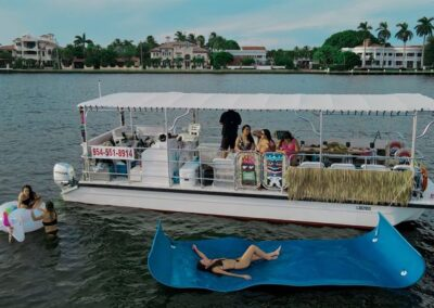 Tiki-Boat-With-Floats-800px